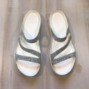 CROCS Gray & White Comfort Sandals 10